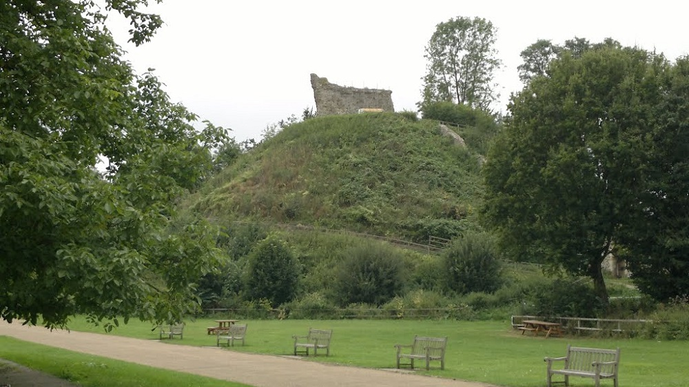 Photo of the castle ruins at Clare Country Park.