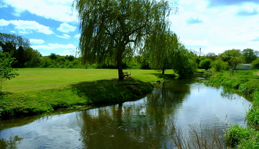 Photo of the River Lea at Wheathampstead.