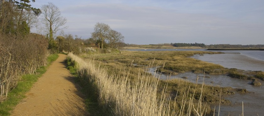 Photo of the path along the River Deben at Woodbridge.